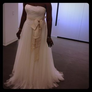 """VERA WANG """"Delaney"""" from Iconic Collection"""